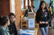 Por un error, se olvidaron de cargar a cientos de jóvenes en el padrón electoral